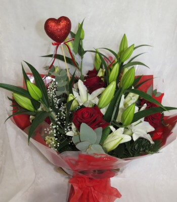 Valentines Lilly and Rose Bouquet